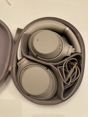 Sony Xm3 (noice cancellation headphones) for Sale in Humble, TX