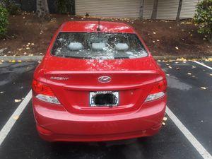 Hyundai accent 2012 for Sale in Everett, WA