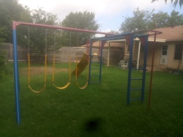 Monkey bar swing set!!