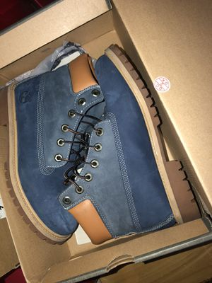 Timberlands 2 tone blue sz 6.5y for Sale in Richmond, CA