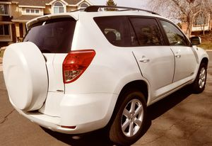 SUBLIME UPGRADED 2006 TOYOTA RAV 4 for Sale in Cleveland, OH