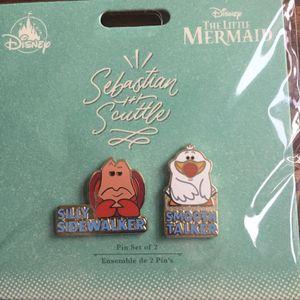 Disney Little Mermaid Sebastian & Scuttle 2 pin set for Sale in Coto de Caza, CA