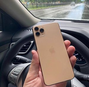 iPhone 11 Pro Max Unlocked for Sale in Los Angeles, CA