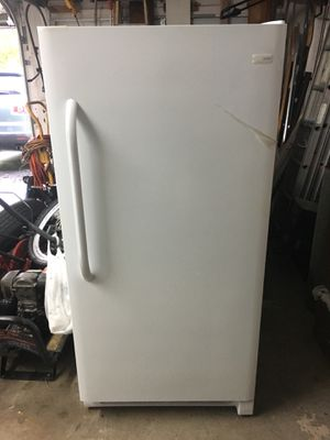 Frigidaire Freezer 16.6 cu for Sale in Davie, FL
