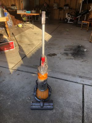 Great Dyson Ball Vacuum for Sale in Roseville, MI