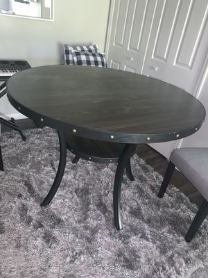 CROOKE ROUND WOOD COUNTER HEIGHT DINNING TABLE for Sale in Reynoldsburg, OH