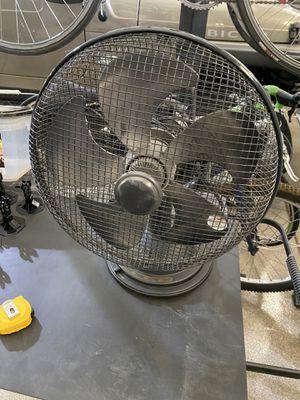Table fan. Oscillating. 3 speeds. for Sale in Scottsdale, AZ