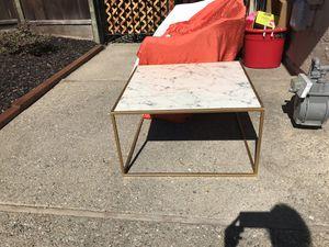Coffee table for Sale in San Ramon, CA