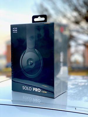Beats Solo Pro Special Edition (Black) for Sale in Elizabeth, NJ