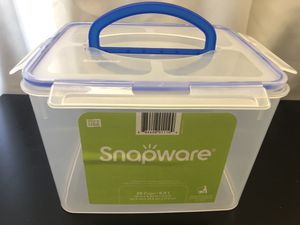 Snapware 29-Cup Food Storage Container w/ Handle - clear plastic for Sale in Las Vegas, NV
