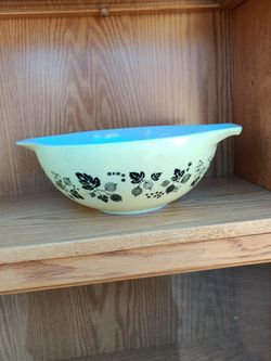 Pyrex vintage gooseberry bowl for Sale in Los Angeles,  CA