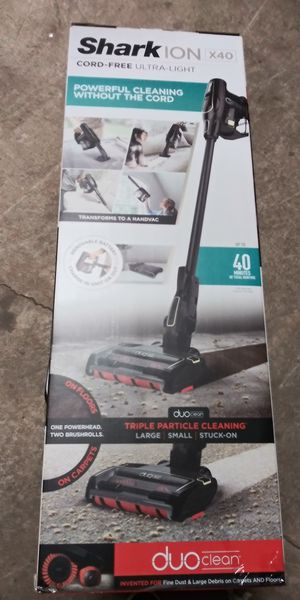 Shark ION X40- CordLESS Vacuum Cleaner for Sale in Lorain, OH