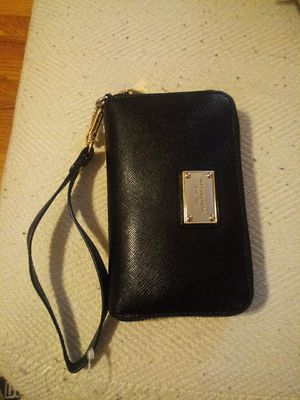 Michael Kors wristlet for Sale in Chicago, IL