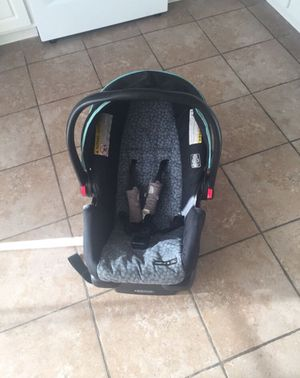 Graco® Snugride 30 Click Connect Infant Car Seat for Sale in Dublin, OH