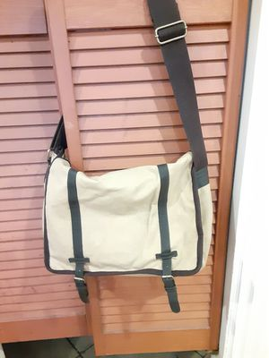 Merona satchell messenger bag for Sale in Pico Rivera, CA