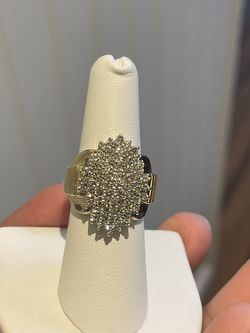 10k 3 Carat Diamonds Ring Size 7 for Sale in Weymouth,  MA