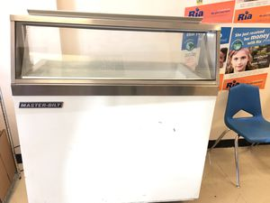 Masterbilt ice crean freezer model DD46 for Sale in Orlando, FL