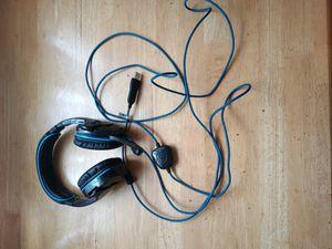 Sade's gaming headphones with mic for Sale in Tehachapi, CA