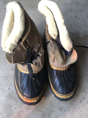 Snow boots heavy duty boots 🥾 for Sale in Fort Lauderdale, FL