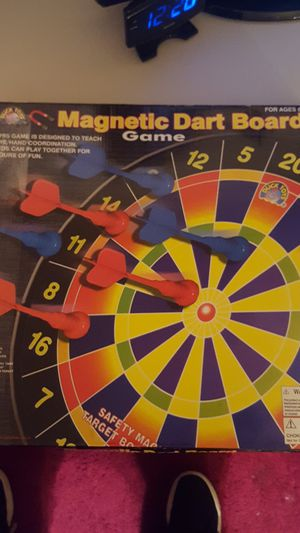 Nice condition magnetic dart board game OBO for Sale in Valley View, OH
