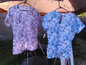 NEW 2 WOMANS SCRUBS MED/LARGE 6$ for Sale in Fresno, CA