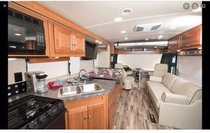 31' Winnebago Vista Motorhome For Sale!! for Sale in Sun City, AZ