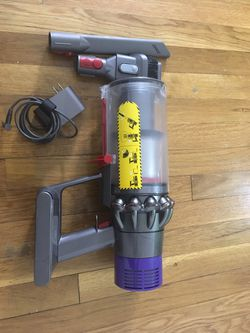 Dyson Cyclone V10 Animal, Absolute, Total Clean Handheld Vaccum for Sale in Woodbridge Township,  NJ
