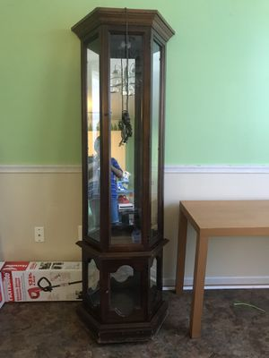 Curio cabinet good condition for Sale in Frederick, MD