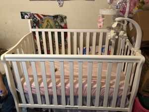 Crib with mattress , mobile and changing table for Sale in Austin, TX