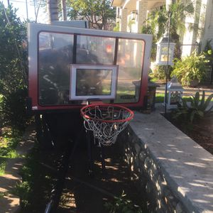 Basketball Hoop for Sale in Bell Gardens, CA