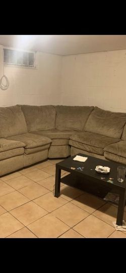 Beautiful Tan Three Piece Sectional Normal Wear for Sale in Roseville,  MI