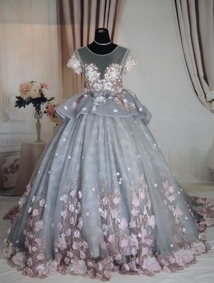 Luxury gray&pink floral ballgown wedding dress/prom dress, size 4-6, can be shipped for Sale in Fort Lauderdale, FL