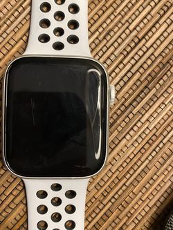 Nike Apple Watch Series 5 for Sale in Fort Myers Beach,  FL