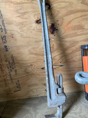 """36"""" pipe wrench for Sale in Gibsonton, FL"""