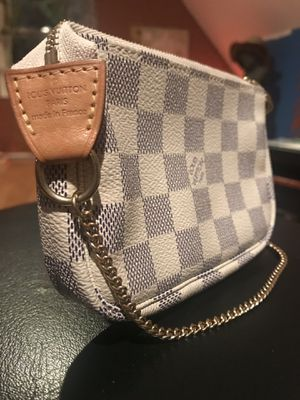 Louis Vuitton for Sale in Nutley, NJ