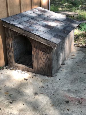 Wooden double dog house nice shingle roof for Sale in Dry Prong, LA