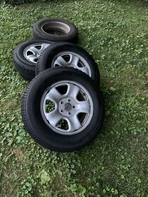 Honda crv rims and tires for Sale in Tysons, VA