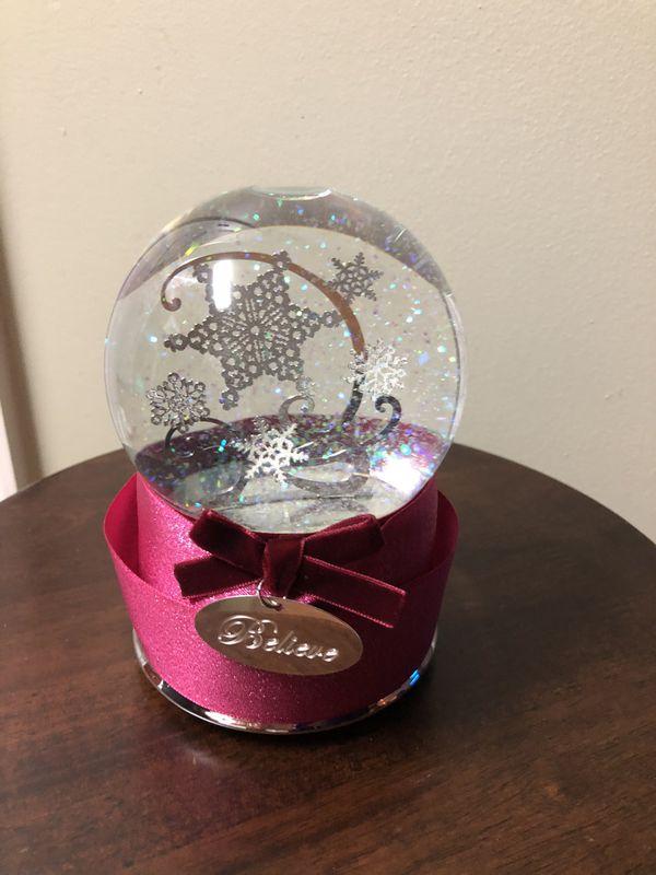 Believe Christmas Silver Stars Glitter Musical Snow Globe