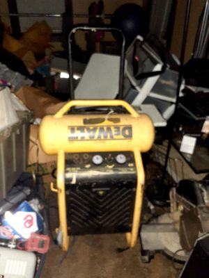 Dewalt double hose air compressor for Sale in Oklahoma City, OK