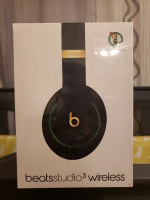 Beats Boston Celtics Black Studio3 Wireless Headphones - NBA Collection for Sale in Carteret, NJ