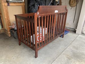 Baby crib for Sale in South Gate, CA