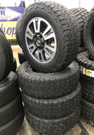285-65-20 All Terrain rims and tires for Sale in San Antonio, TX