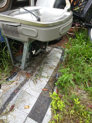 Elkay cooled water fountain for Sale in Bartow, FL