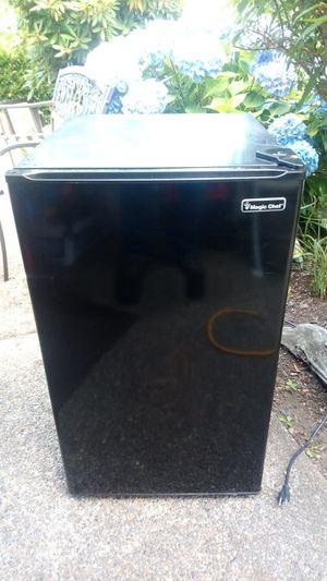 Magic Chef Mini Refrigerator: Model #HMR440BE for Sale in Auburn, WA