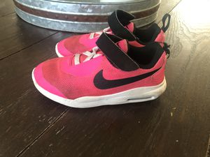 Nike toddler shoe 9.5 for Sale in Downey, CA