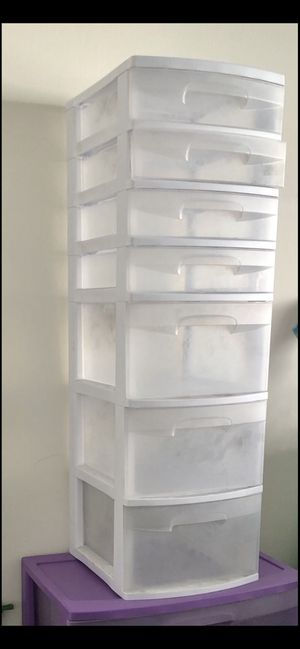 7 drawer, plastic in white for Sale in Rancho Cucamonga, CA