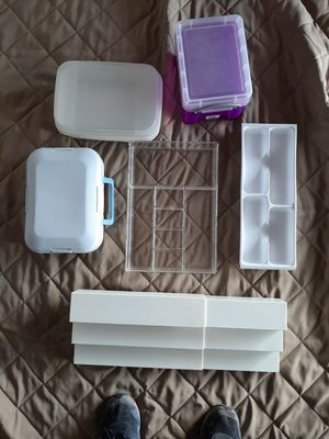 Miscellaneous plastic containers for Sale in Rancho Cucamonga, CA