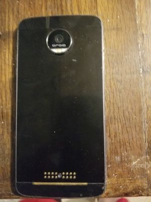 Moto Z Play for Sale in Walker, LA