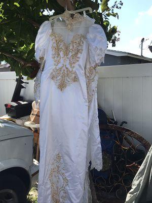 New wedding dress size 10 for Sale in Boynton Beach, FL