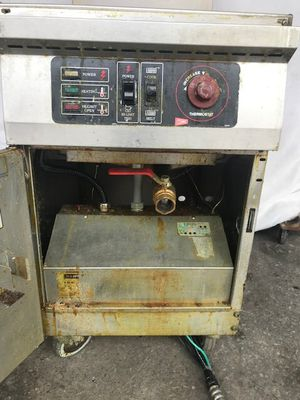Electric deep fryer and 8 burner electric stove for Sale in Alexandria, VA